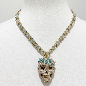Betsey Johnson skull blue roses top heat necklace
